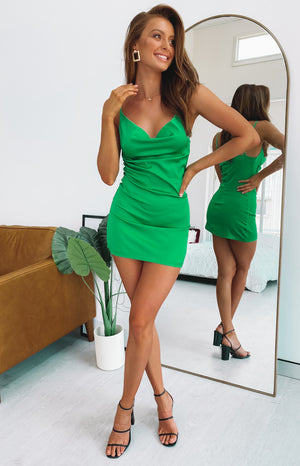 https://files.beginningboutique.com.au/ALUNA+SLIP+DRESS+JADE.mp4