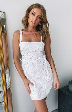 https://files.beginningboutique.com.au/Budapest+Lace+Up+Dress.mp4