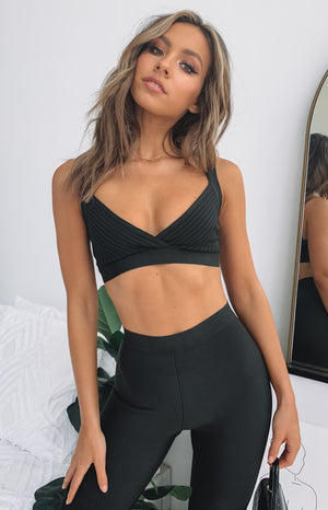 https://files.beginningboutique.com.au/Fame+Bandage+Crop.mp4