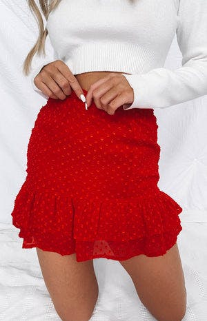 https://files.beginningboutique.com.au/Femme+Skirt+Red.mp4