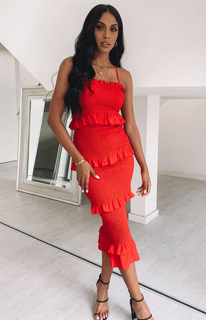 https://files.beginningboutique.com.au/Galleria+Midi+Dress+Red.mp4