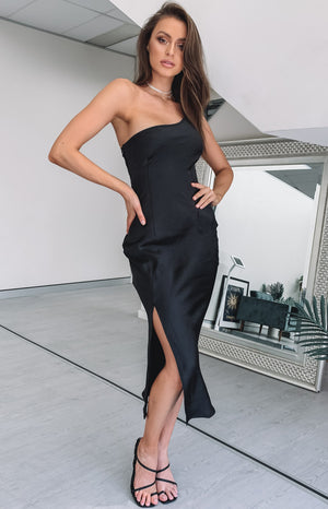 https://files.beginningboutique.com.au/Taytum+One+Shoulder+Party+Dress+Black.mp4