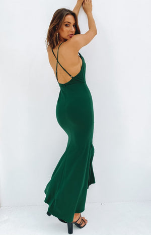 https://files.beginningboutique.com.au/20200122-KAREN+FORMAL+DRESS+GREEN.mp4