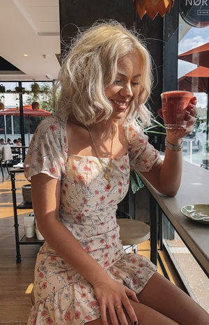 https://files.beginningboutique.com.au/Cherub+Dress+Pink+Floral+.mp4