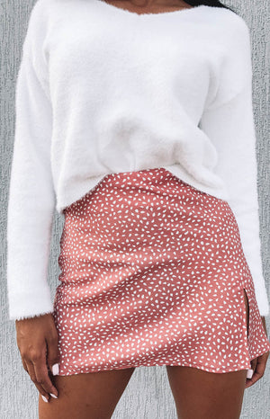 https://files.beginningboutique.com.au/Laura+Skirt+Blush+Print.mp4