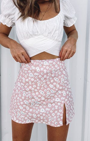 https://files.beginningboutique.com.au/Laura+Skirt+Pink+Print.mp4