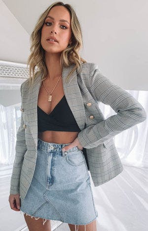 https://files.beginningboutique.com.au/Lioness+The+Blair+Blazer+Check.mp4