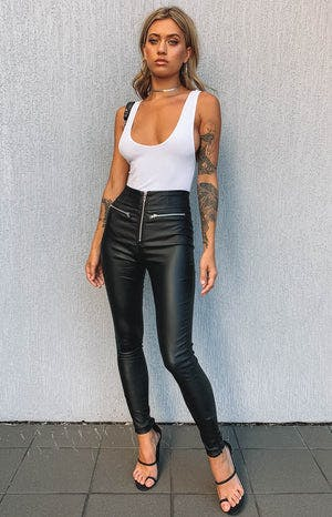 https://files.beginningboutique.com.au/Mind+Games+PU+Pants+Black+.mp4