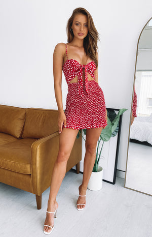 https://files.beginningboutique.com.au/TEDDIE+RED+PRINT+DRESS.mp4
