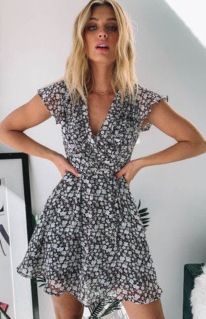 https://files.beginningboutique.com.au/tianne+dress+black+print.mp4