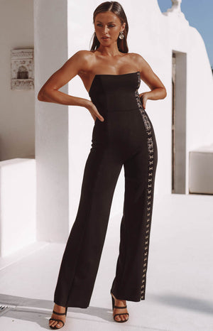 https://files.beginningboutique.com.au/Times+Square+Jumpsuit+Black.mp4