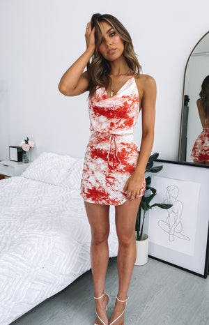 https://files.beginningboutique.com.au/Your+LA+Catch+Dress+Red+Tie+Dye.mp4