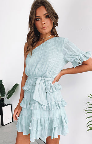 https://files.beginningboutique.com.au/delpha+dress+sage.mp4
