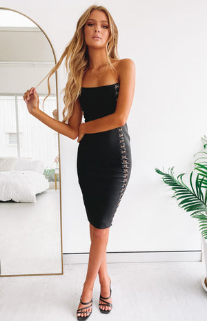 https://files.beginningboutique.com.au/20191217+-Giselle+Dress+Black.mp4