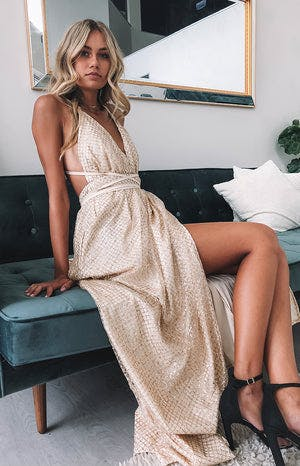 https://files.beginningboutique.com.au/Jasmine+Glitter+Floral+Formal+Dress+Gold+Sparkle.mp4