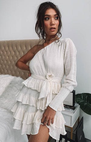 https://files.beginningboutique.com.au/Natasha+Dress+White.mp4