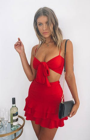 https://files.beginningboutique.com.au/Prancer+Top+Red.mp4