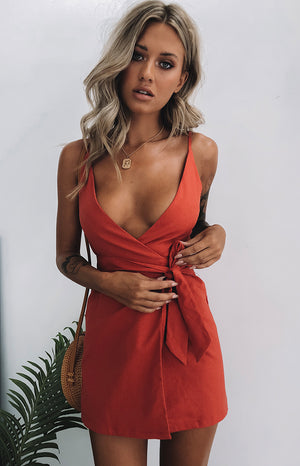 https://files.beginningboutique.com.au/Lorient+Linen+Dress+Rust+.mp4