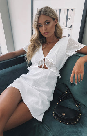 https://files.beginningboutique.com.au/Santorini+Night+Dress+White.mp4